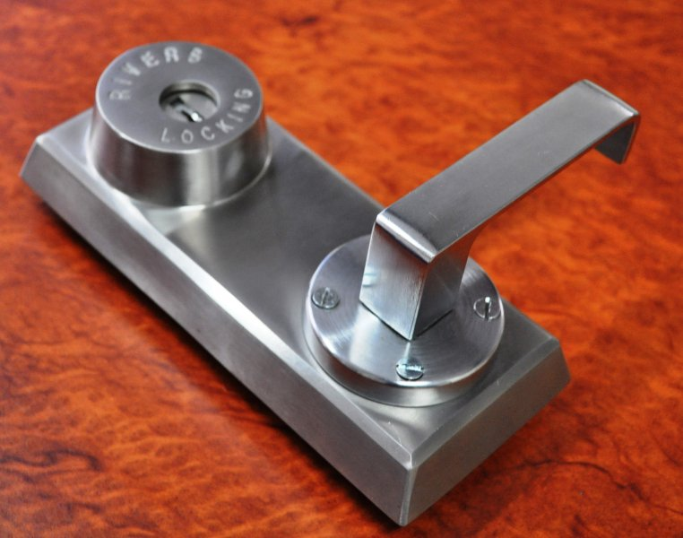 key_and_lever_for_self_latching_lock