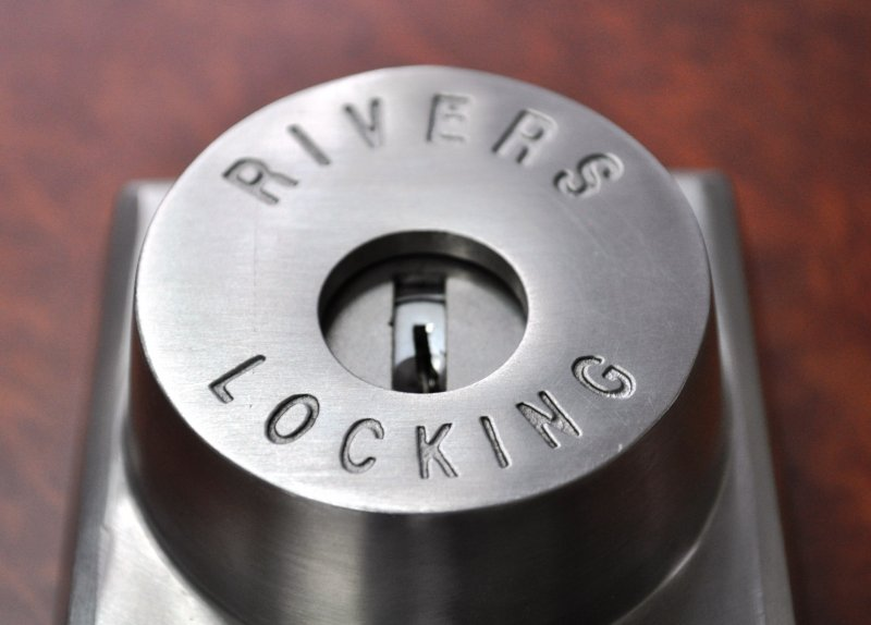 key_and_lever_lock